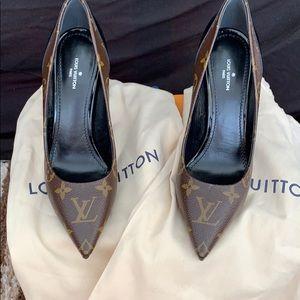 Louis Vuitton Cherie Pump